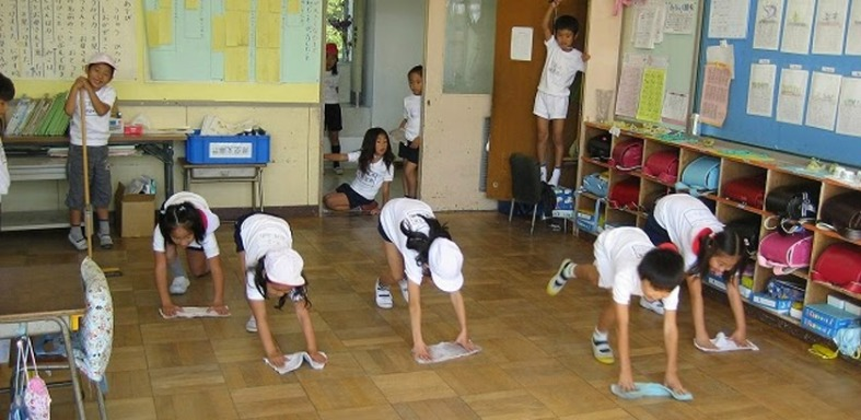 students-in-Japan-cleaning-their-own-classroom